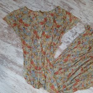 Beautiful Vintage Floral Pleated Flowy Dress